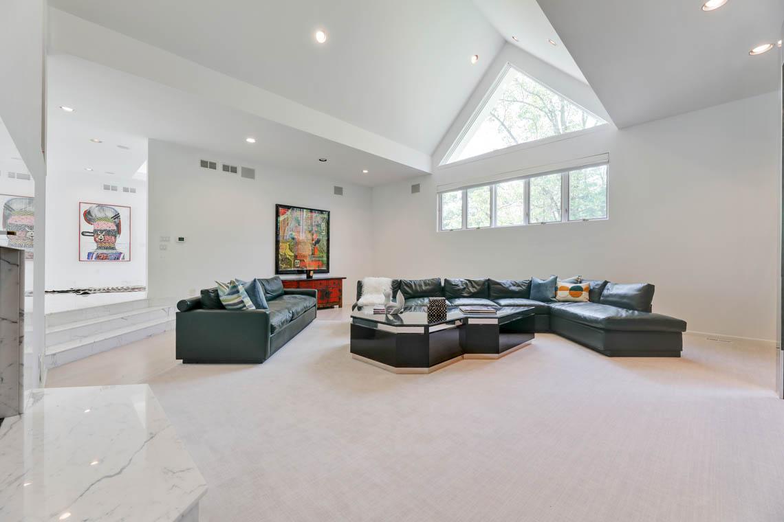 8 – 261 Hartshorn Drive – Living Room