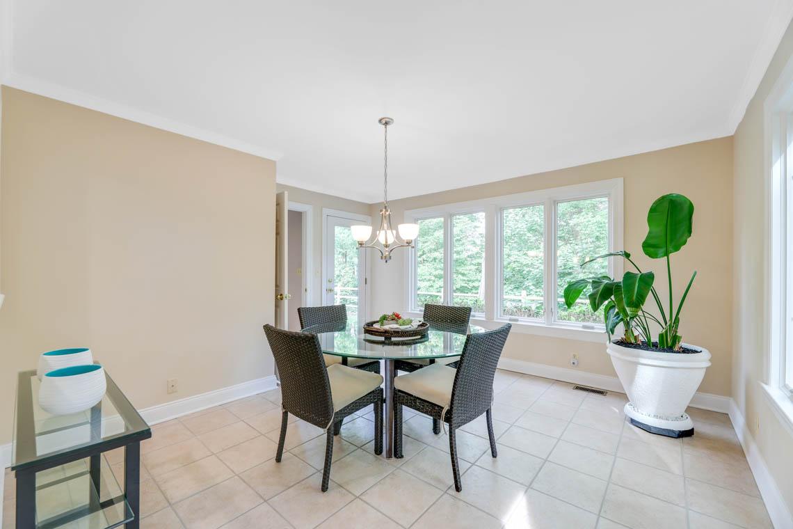 11 – 280 Forest Drive South – Sunlit Breakfast Area