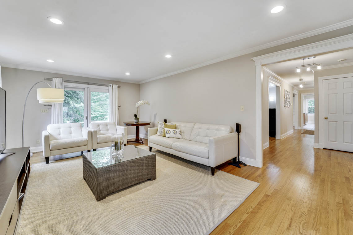 12 – 280 Forest Drive South – Family Room
