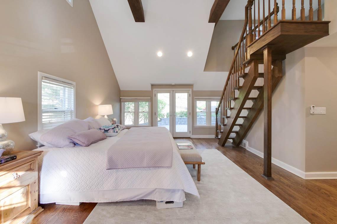 12 – 304 Forest Dr South – Master Bedroom