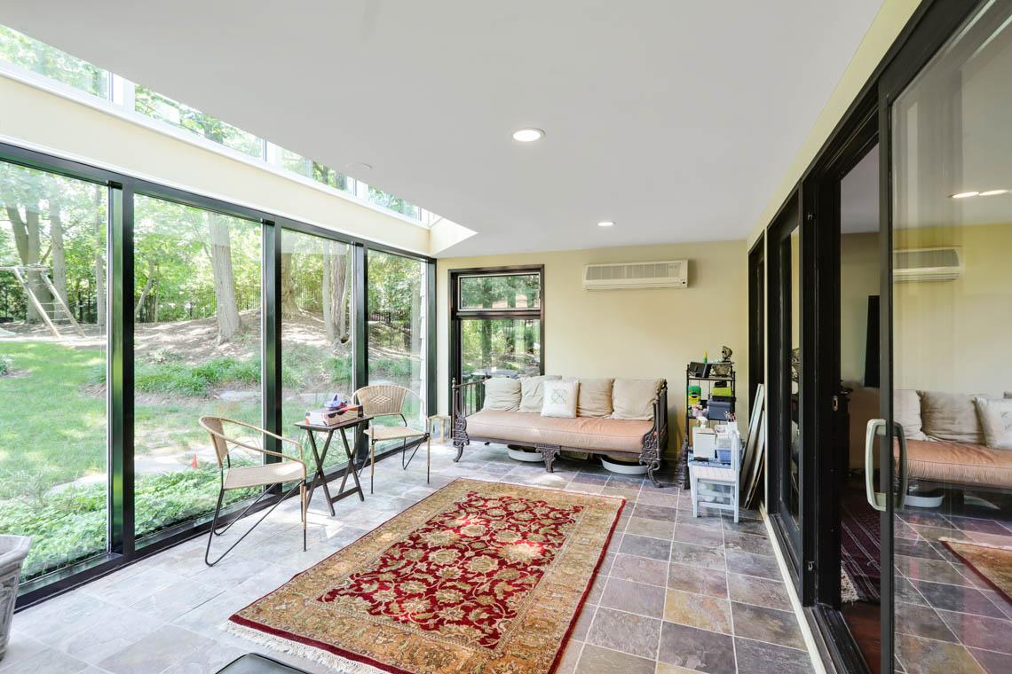 12 – 39 Delwick Lane – Sunroom