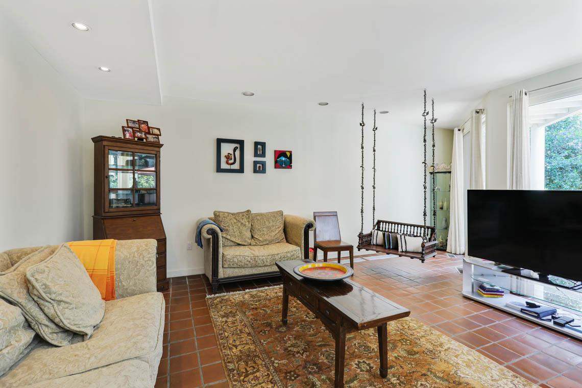 13 – 39 Delwick Lane – Family Room