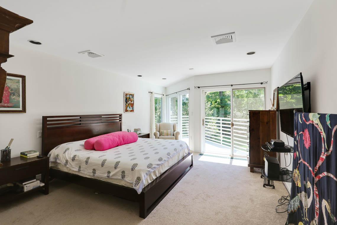16 – 39 Delwick Lane – Master Bedroom