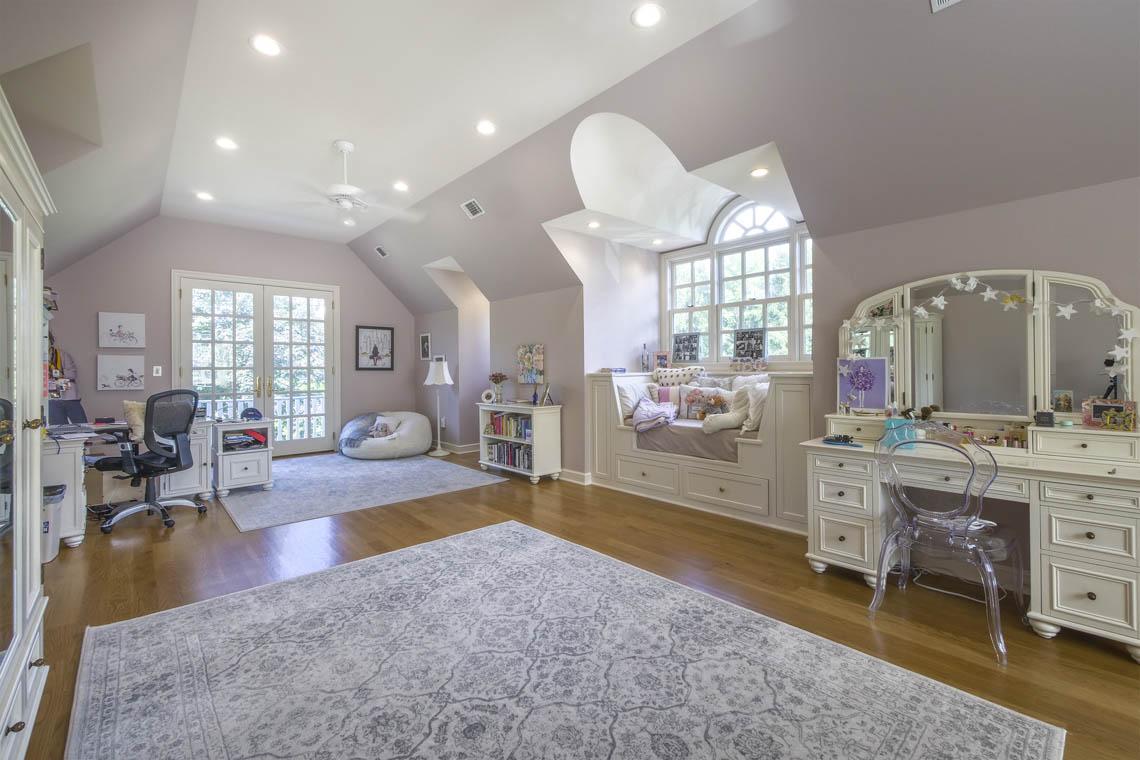 18 – 3 Winston Farm Lane – Great In-law Suite