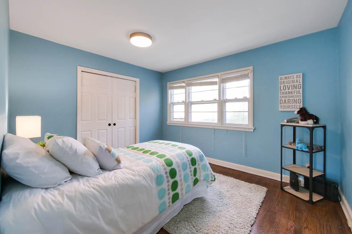 20 – 304 Forest Dr South – Bedroom