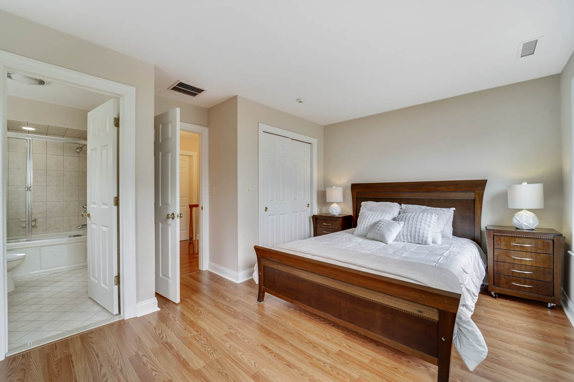 21 – 280 Forest Drive South – Bedroom