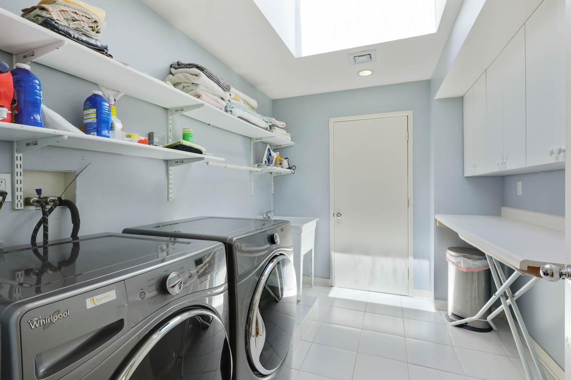 21 – 39 Delwick Lane – Laundry Room