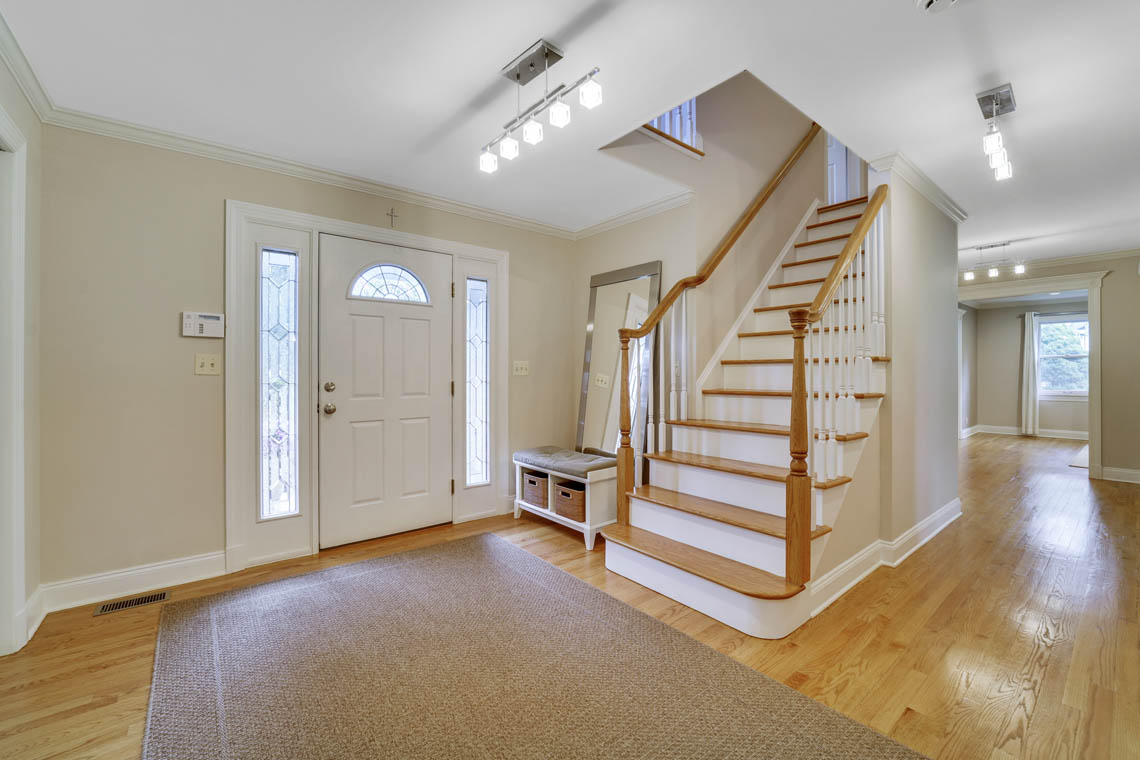 3 – 280 Forest Drive South – Grand Entrance Hall