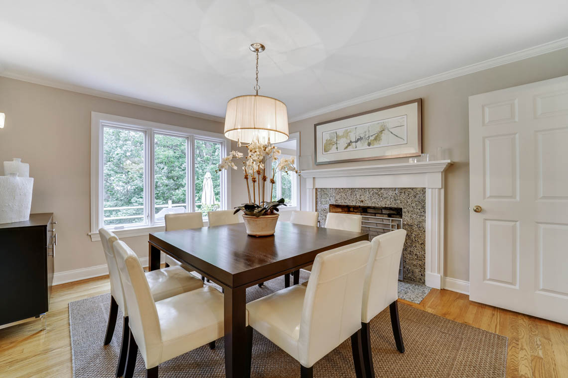 4 – 280 Forest Drive South – Dining Room