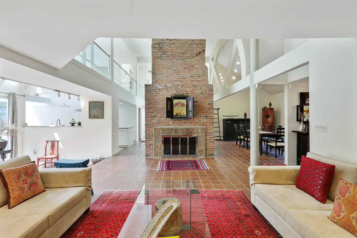 5 – 39 Delwick Lane – Great 2-Story Great Room