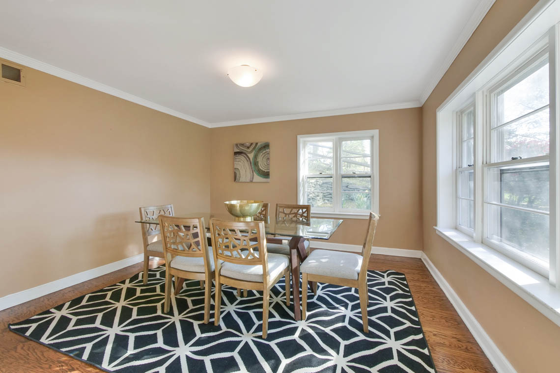 6 – 304 Forest Dr South – Dining Room