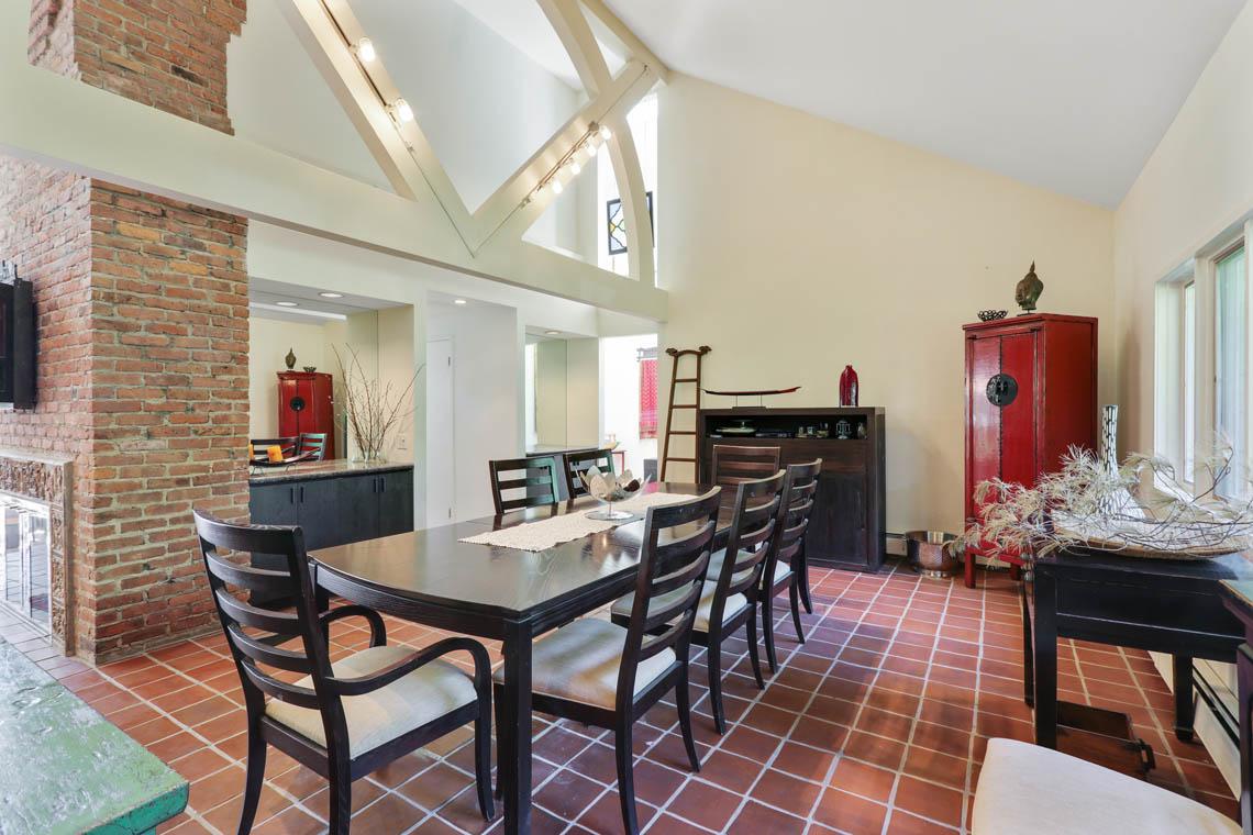 9 – 39 Delwick Lane – Dramatic Dining Room