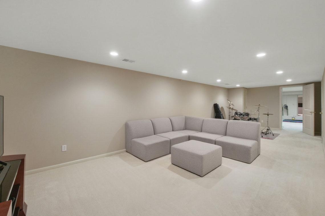 22 – 2 Cayuga Way – Recreation Room