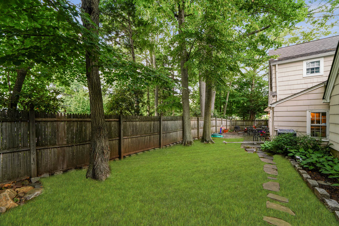 24 – 1 Woodcroft Place – Totally Level, Fenced Backyard