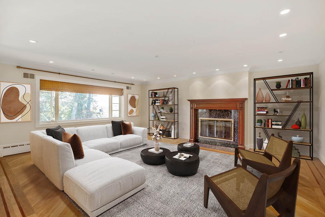 9 – 5 Dorison Drive – Family Room