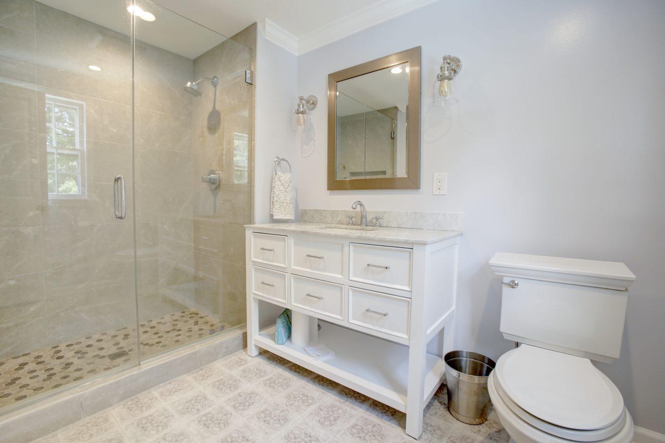 21 – En Suite Bathroom – 26 Randall Drive