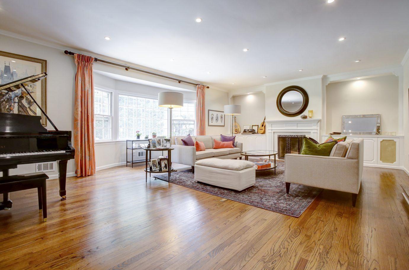 4 – Living Room – 26 Randall Drive