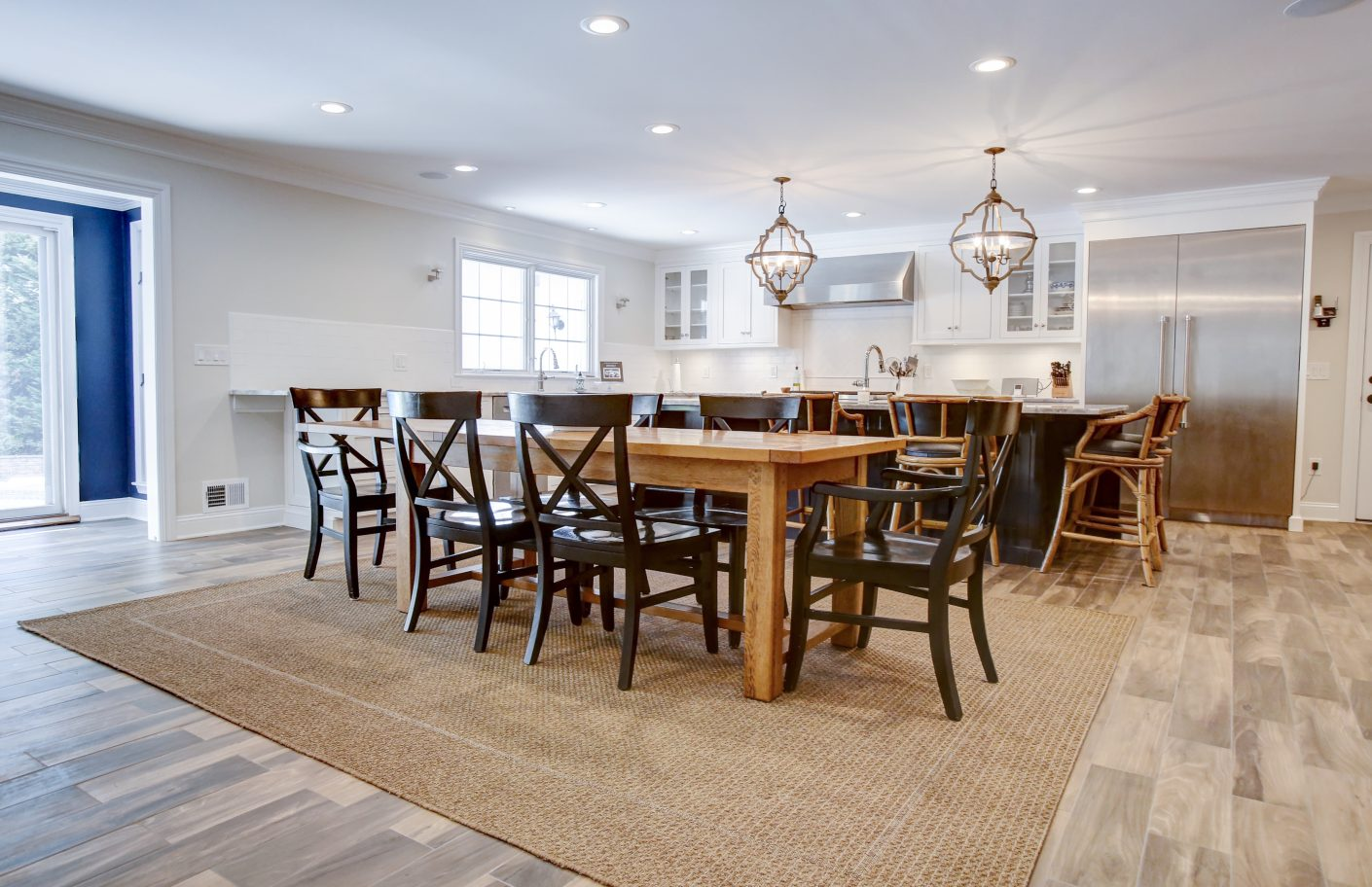8 – Gourmet Eat-in Kitchen – 26 Randall Drive