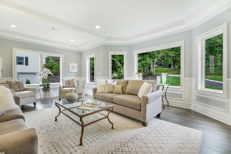 10 – 21 Johnson Drive – Living Room