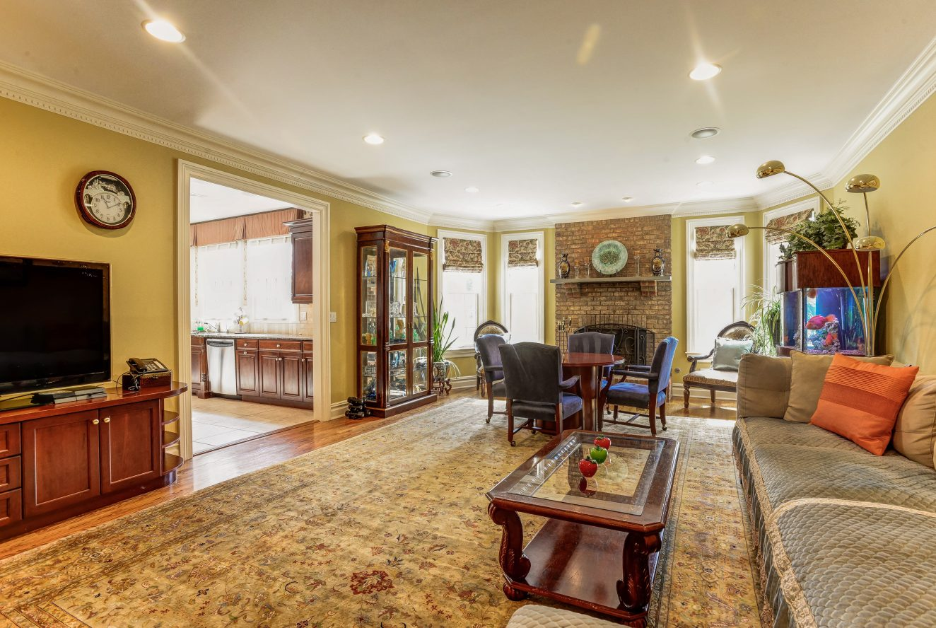 10 – 46 Great Hills Terrace – Family Room