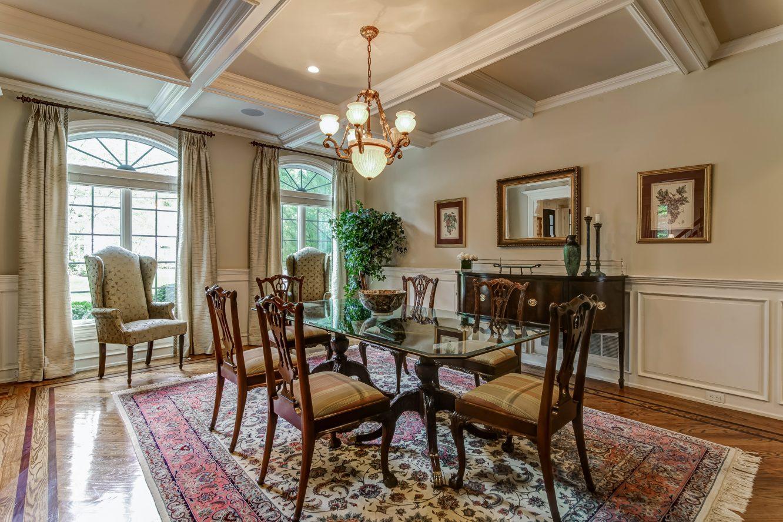 12 -12 Shirlawn Drive – Living Room