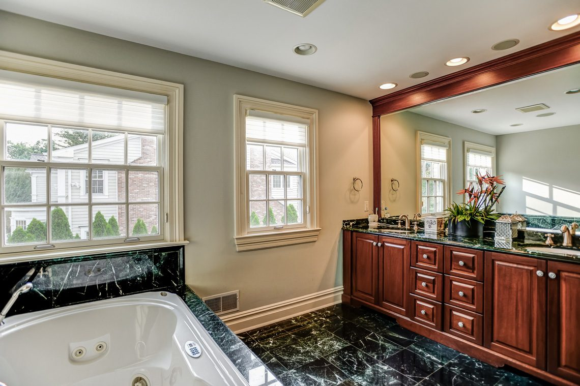 13 – 46 Great Hills Terrace – Master Bath
