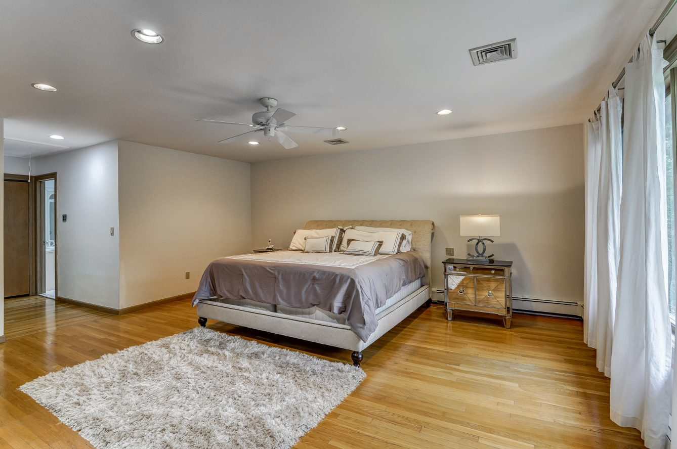 13 – 80 Hillside Avenue – Master Bedroom