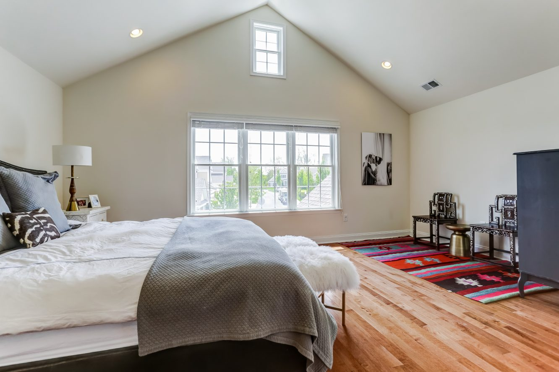 14 – 19 Woodstone Circle – Master Bedroom