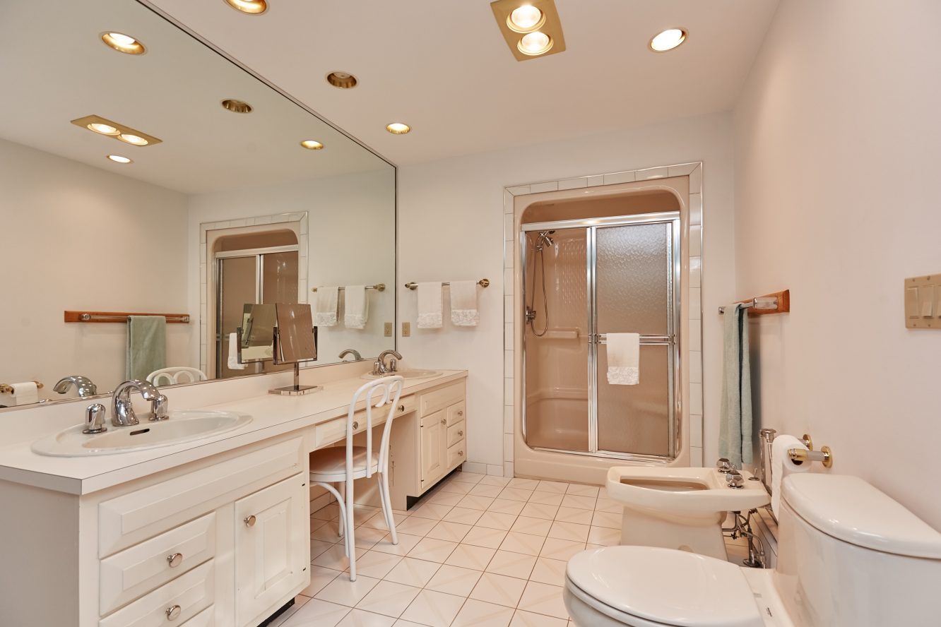 14 – 80 Hillside Avenue – Spa-like Master Bath