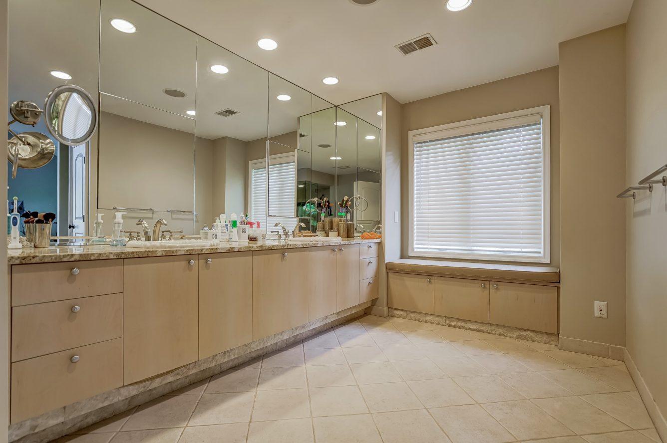 15 – 59 Harvey Drive – Spa-like Master Bath