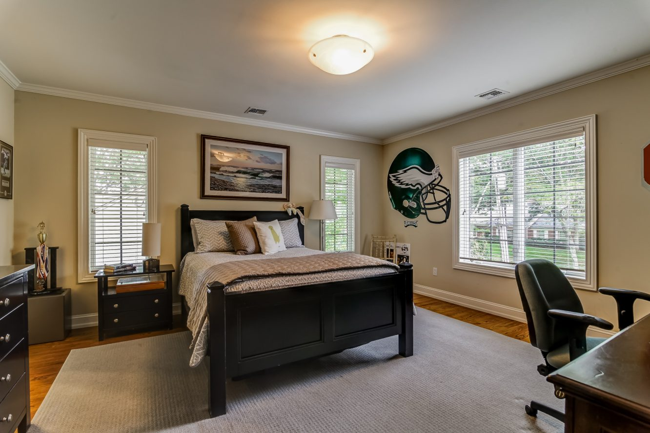 16 – 12 Shirlawn Drive – 2nd Level Bedroom