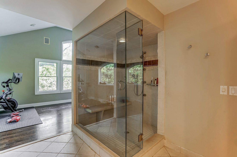 16 – 59 Harvey Drive – Spa-like Master Bath