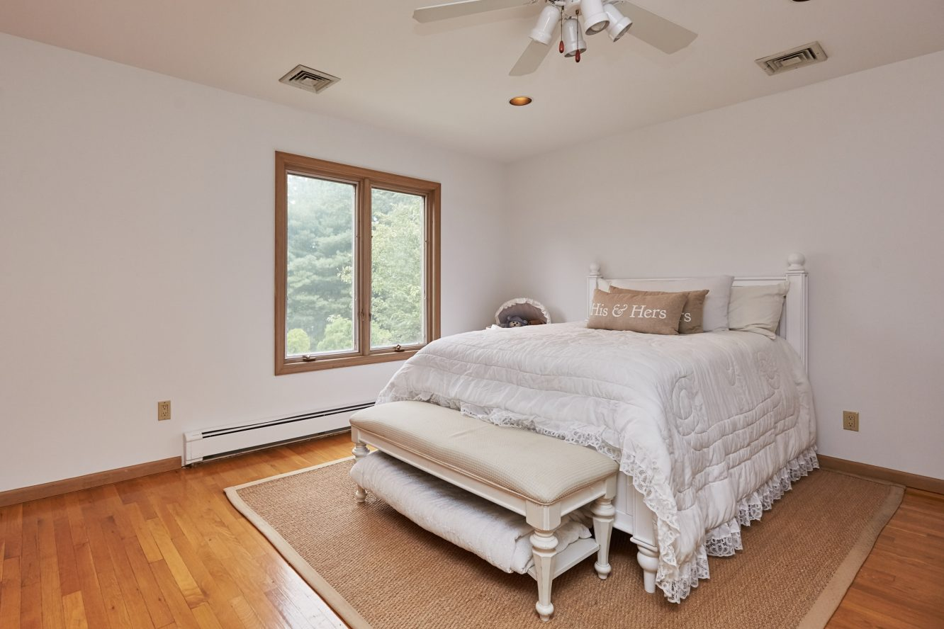 16 – 80 Hillside Avenue – Second Level Bedroom