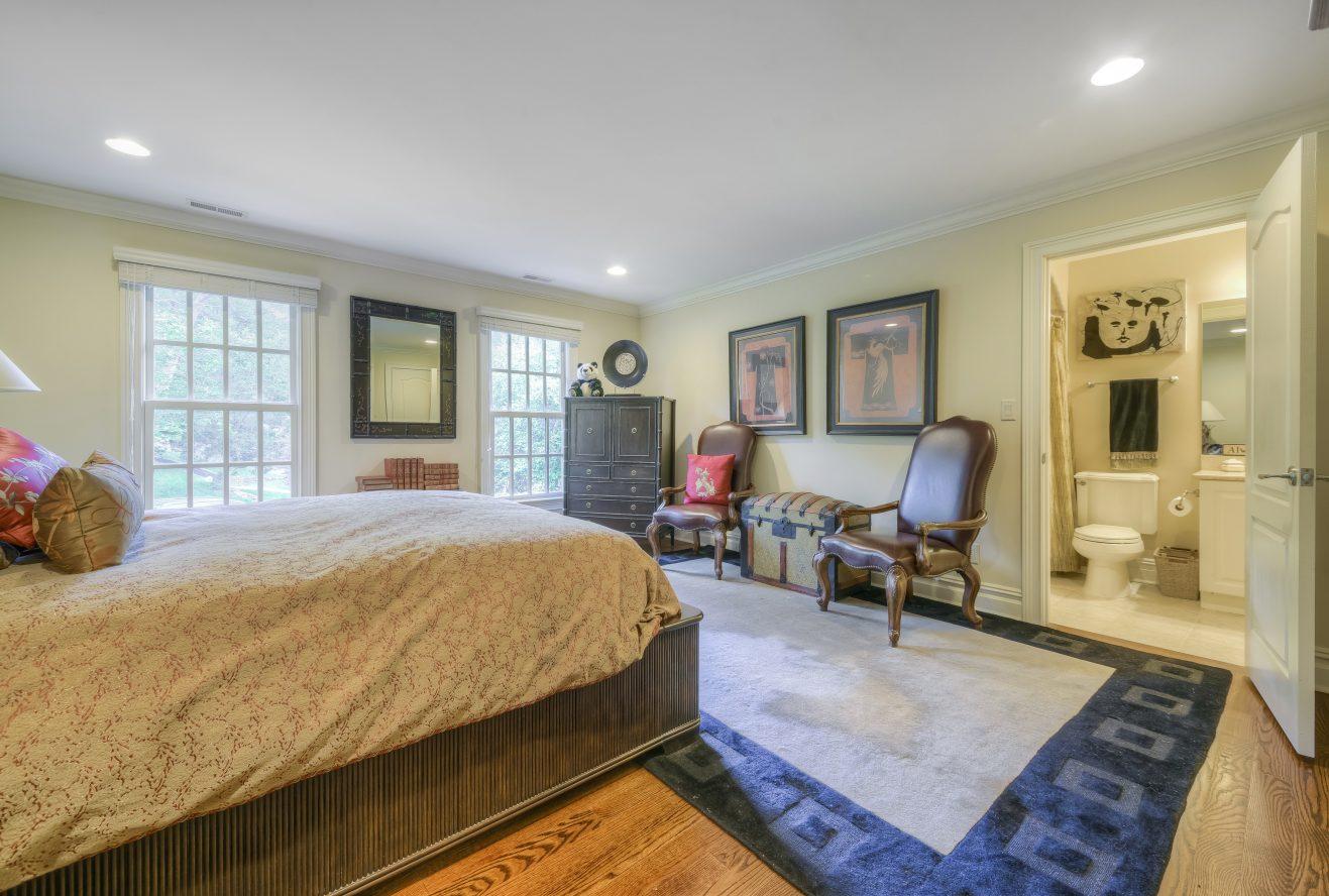 16 – Bedroom – 4 Fox Hill lane