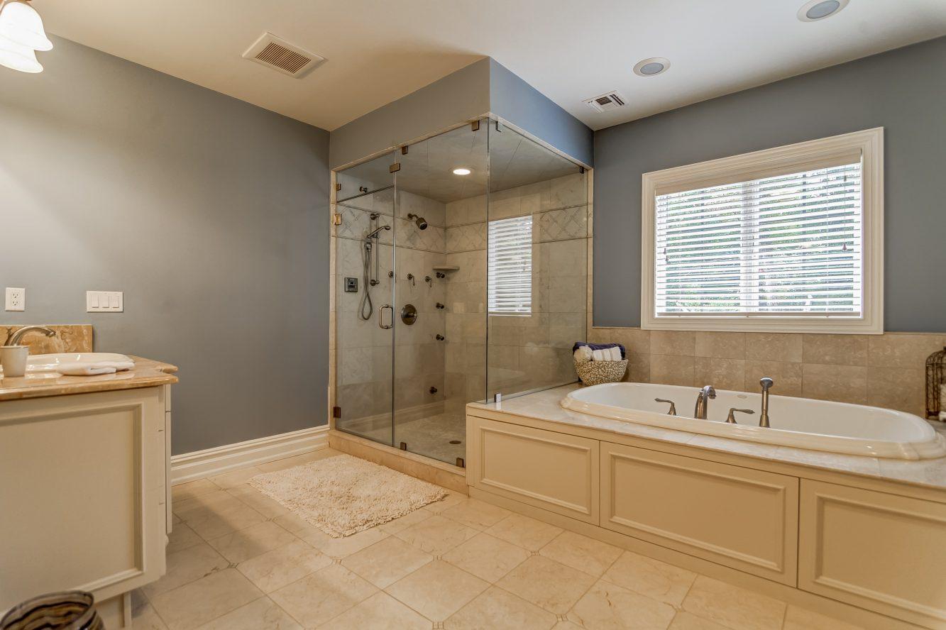 17 – 12 Shirlawn Drive – Spa-like Master Bath