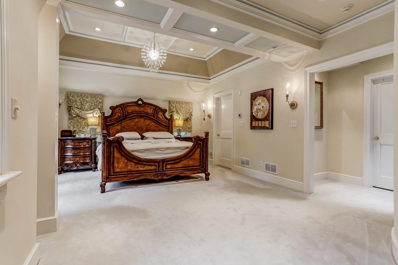 17 – 2 Tall Pine Lane – Master Bedroom