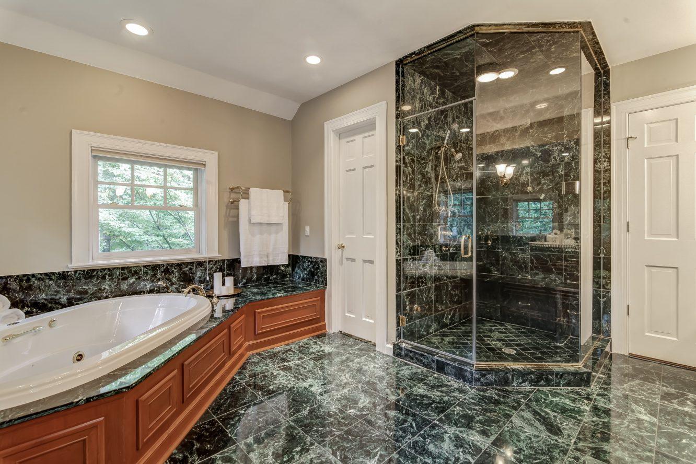 17 – 88 Birch Lane – Spa-like Master Bath