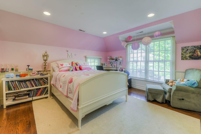 17 – Bedroom – 4 Fox Hill Lane