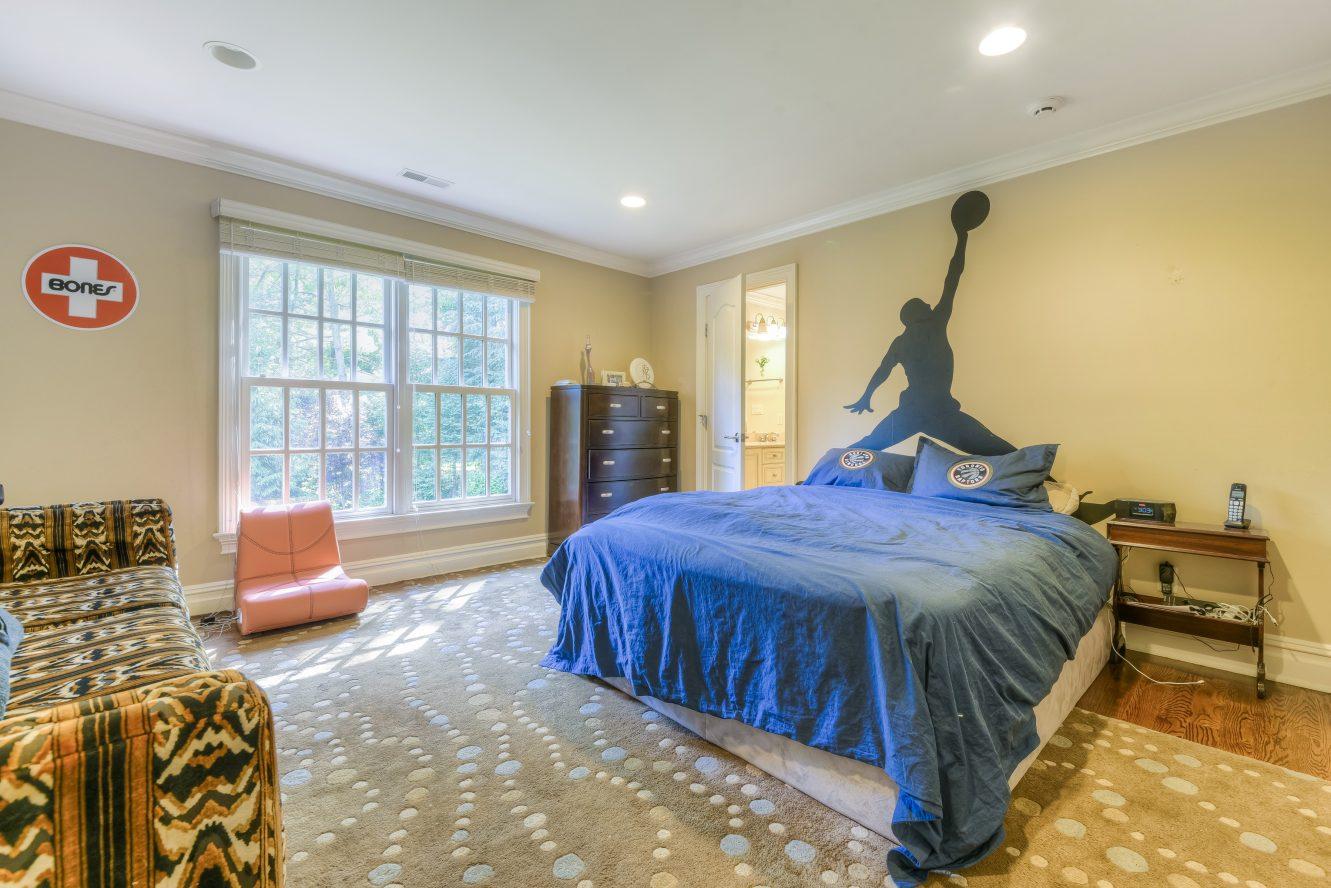 19 – Bedroom – 4 Fox Hill Lane