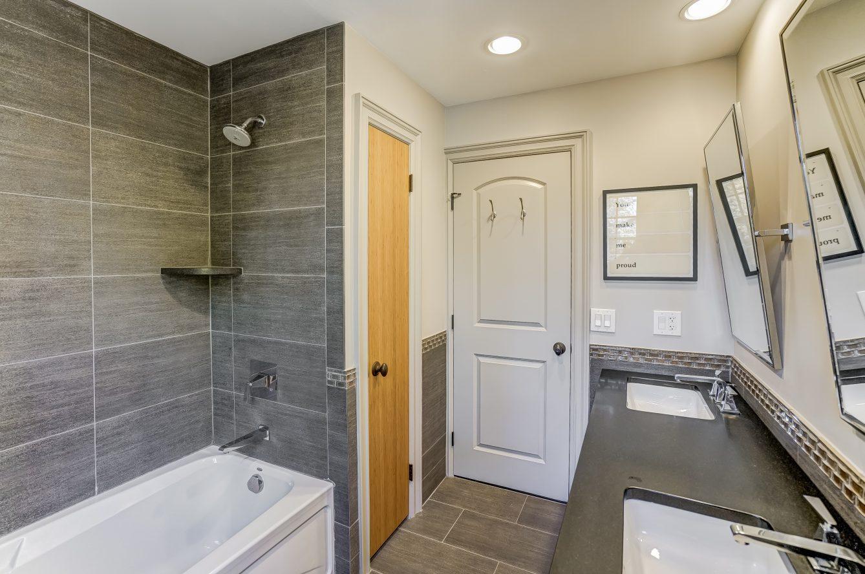 20 – 59 Harvey Drive – New Second Level Full Bath