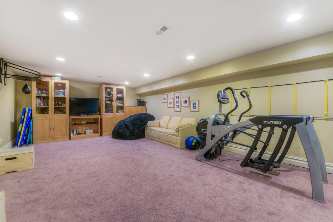 20 – Recreation Room – 4 Fox Hill Lane
