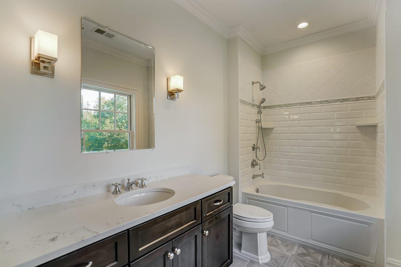 22 – 110 Farley Road – Bedroom 3 En Suite Bath