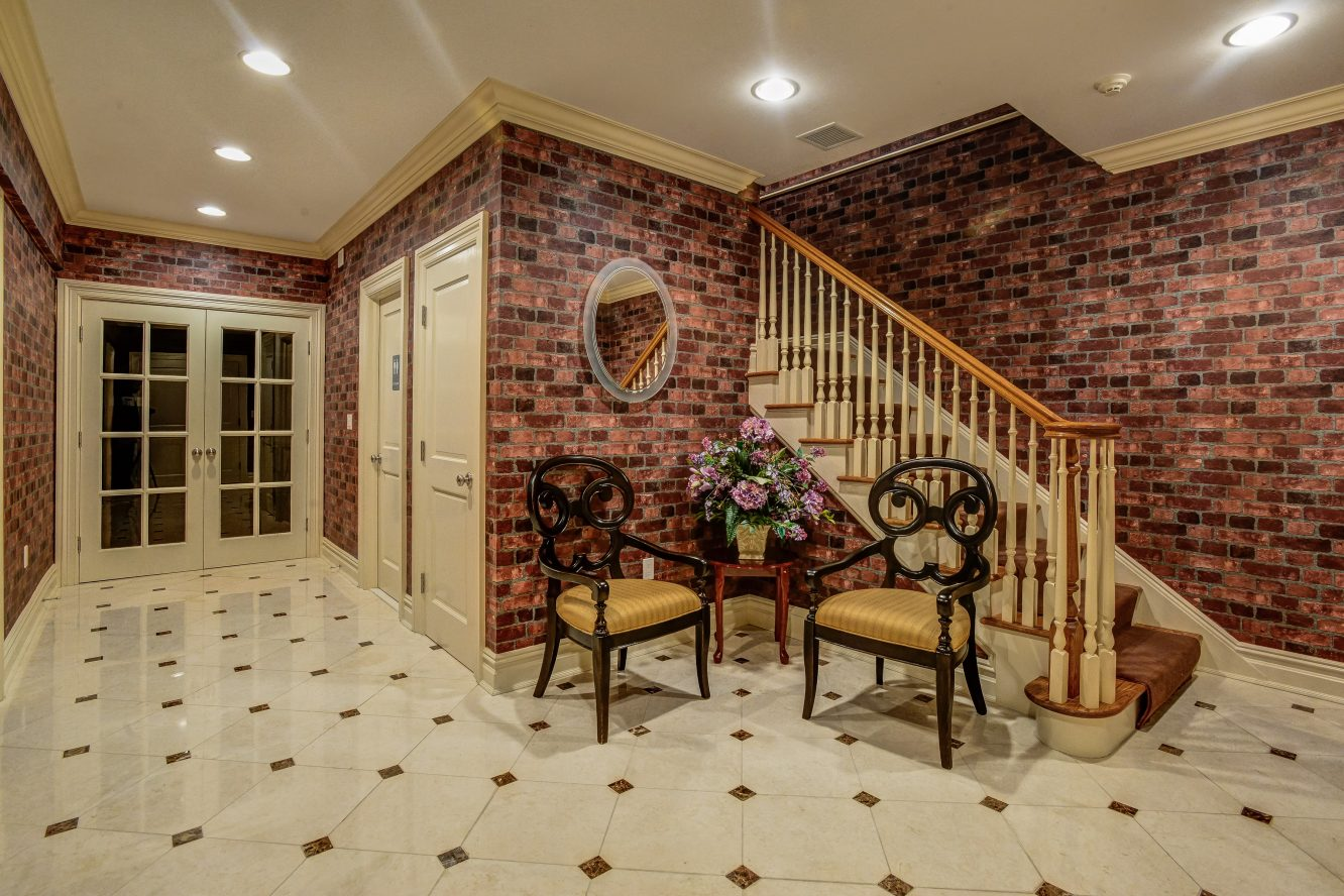 23 – 46 Great Hills Terrace – Gorgeous Lower Level