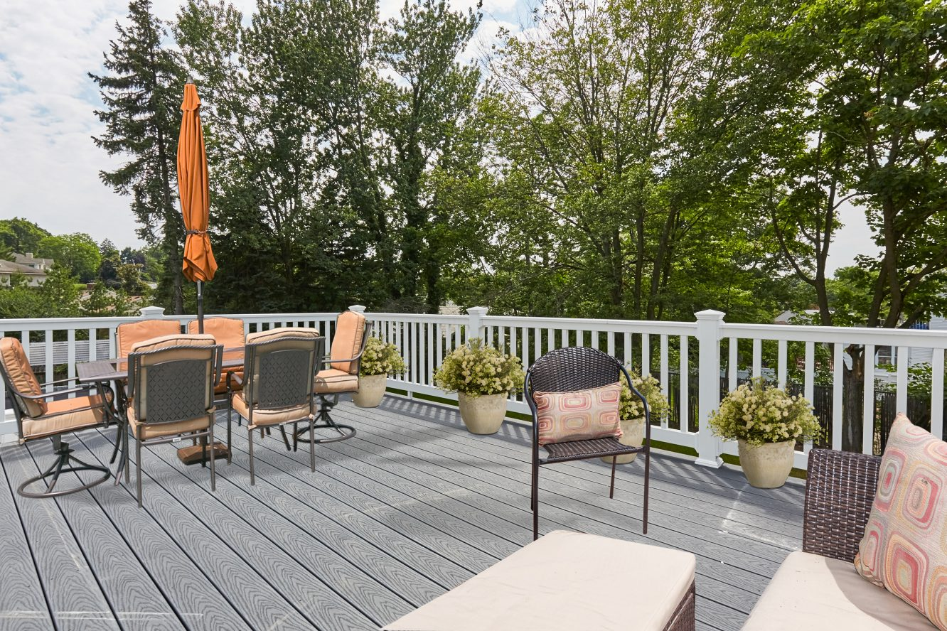 23 – 467 Old Short Hills Road – Gorgeous Deck