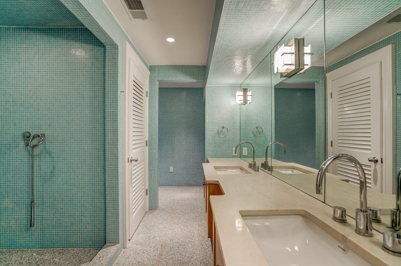 23 – 7 Chestnut Place – Lower Level Full Bath