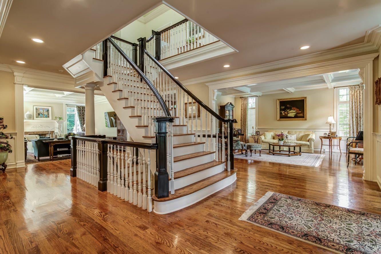 3 – 12 Shirlawn Drive – Gorgeous Entrance Hall