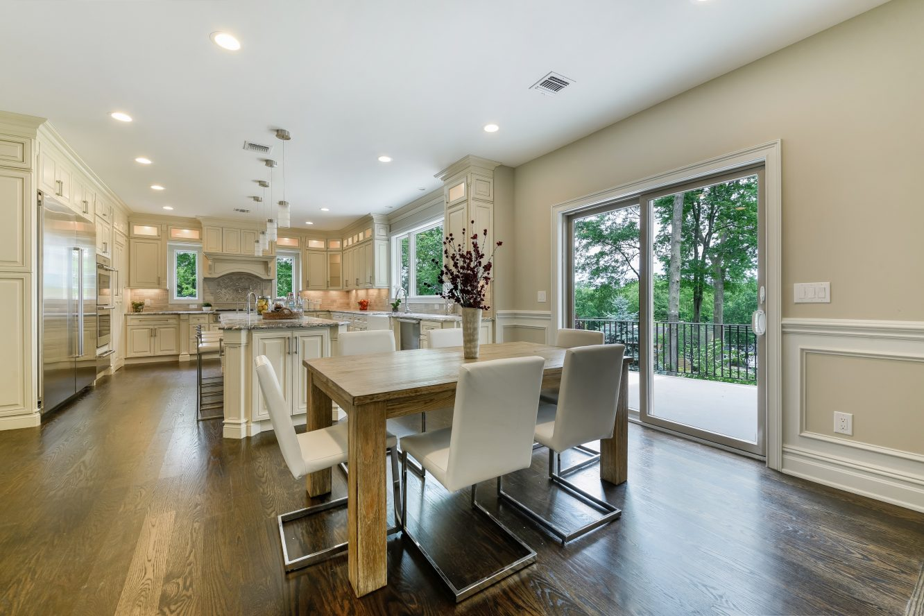 3 – 21 Johnson Drive – Gourmet Eat-in Kitchen