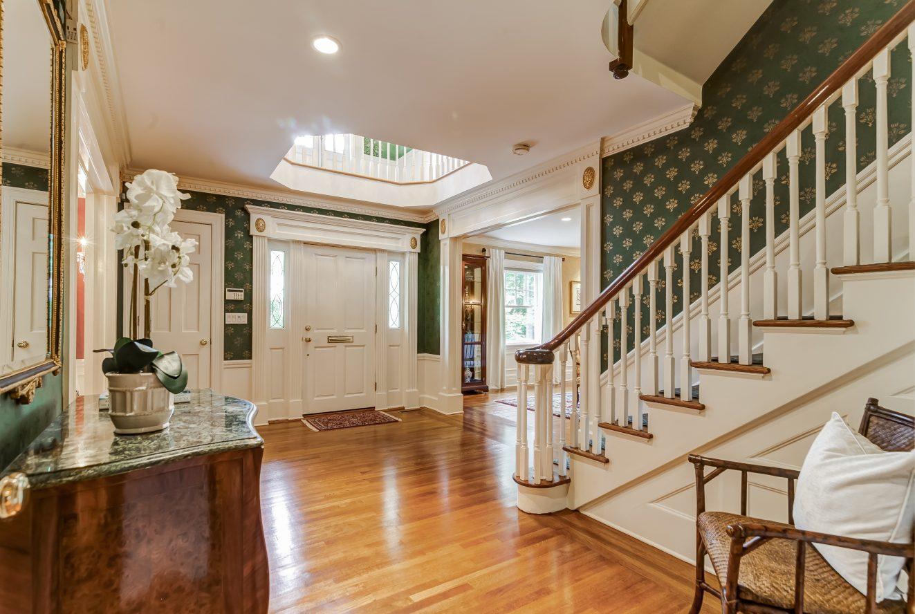 3 – 88 Birch Lane – Grand Entry Foyer