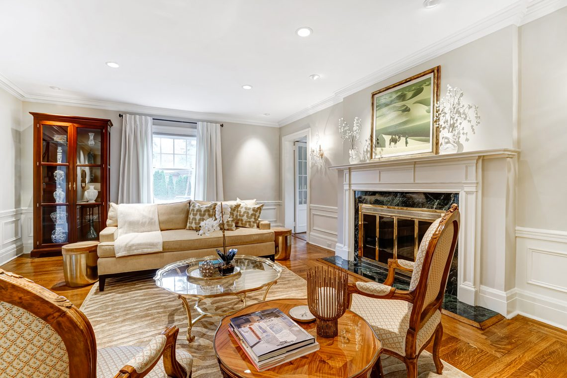 4 – 88 Birch Lane – Living Room