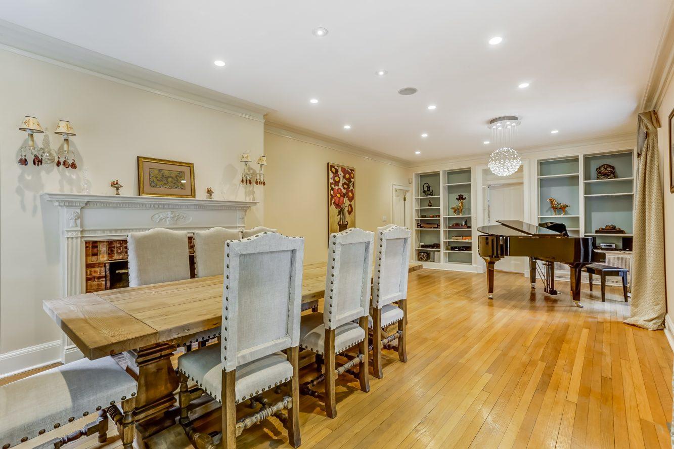 5 – 2 Tall Pine Lane – Living Room